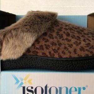 Isotoner Cheetah Print Memory Foam Slippers
